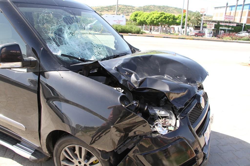Manisa'da motosiklet kazası, 1 ağır yaralı