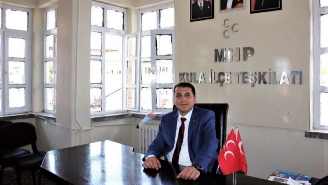 """MHP Kula İlçe Başkanı Baytok, """"15 Temmuz, ihanete karşı tek yürek olmuş Türk Milletinin şahlanış gündür"""""""