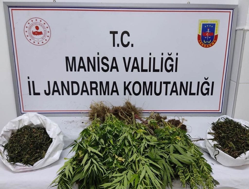 Jandarma, uyuşturucu tacirlerine göz açtırmıyor