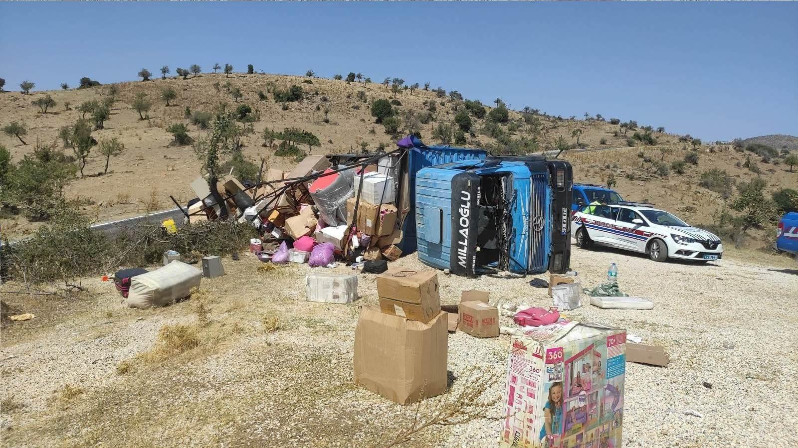 Freni tutmayan kamyonda bulunan, 2'si ağır 7 kişi yaralandı