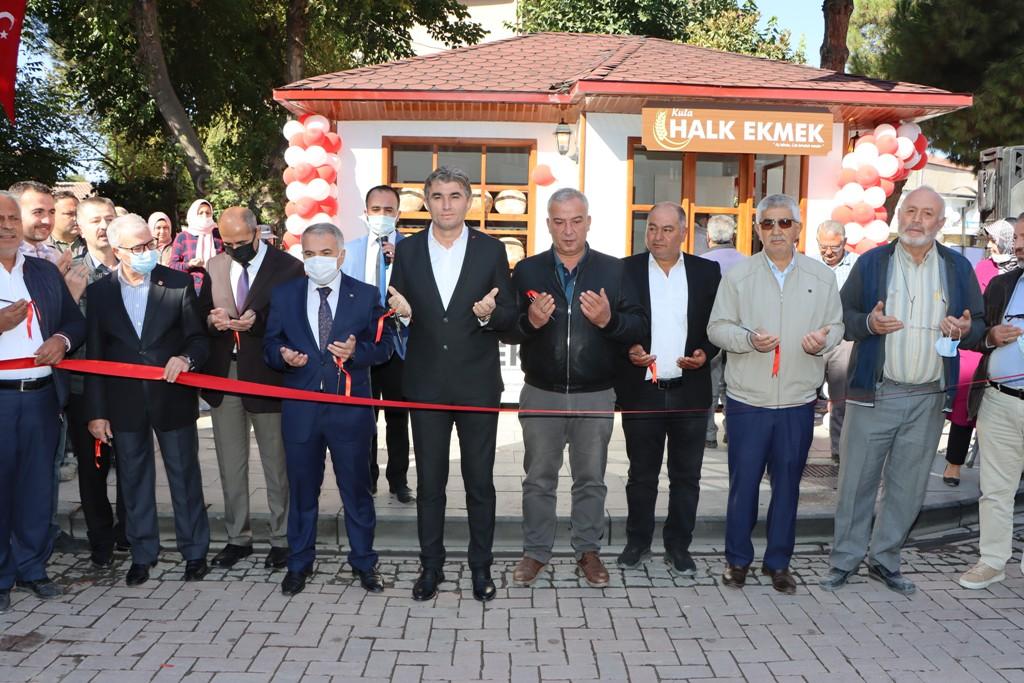 Başkan Tosun, Manisa'da İlk Halk Ekmek Üretim ve Satışını Başlattı
